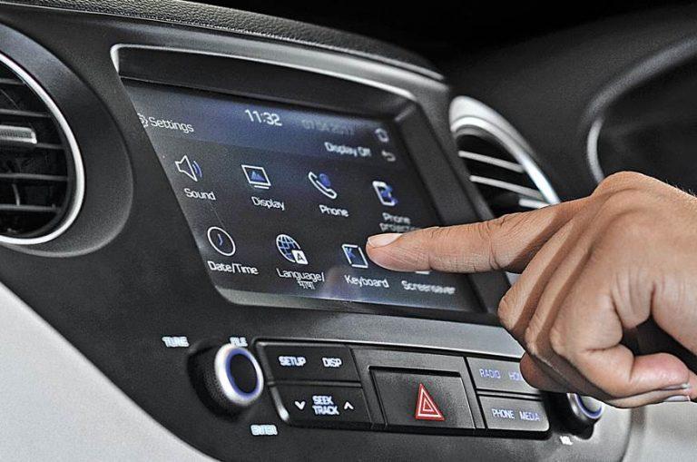 Appariement du smartphone avec l'autoradio avec ports USB